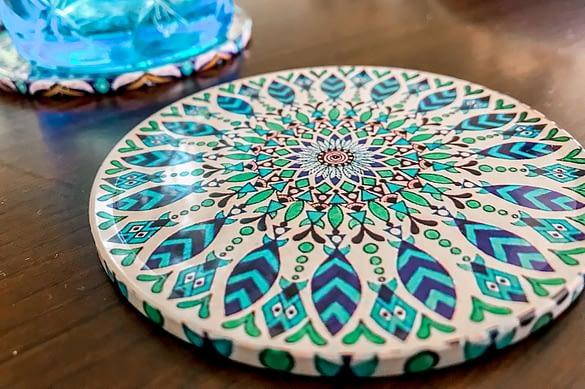Untersetzer mit Mustern als Boho Tischdeko