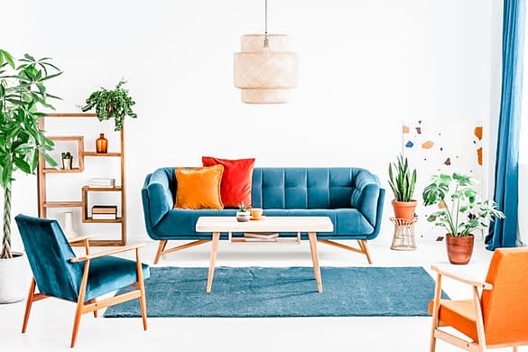 So stylst du dein Wohnzimmer in blau!